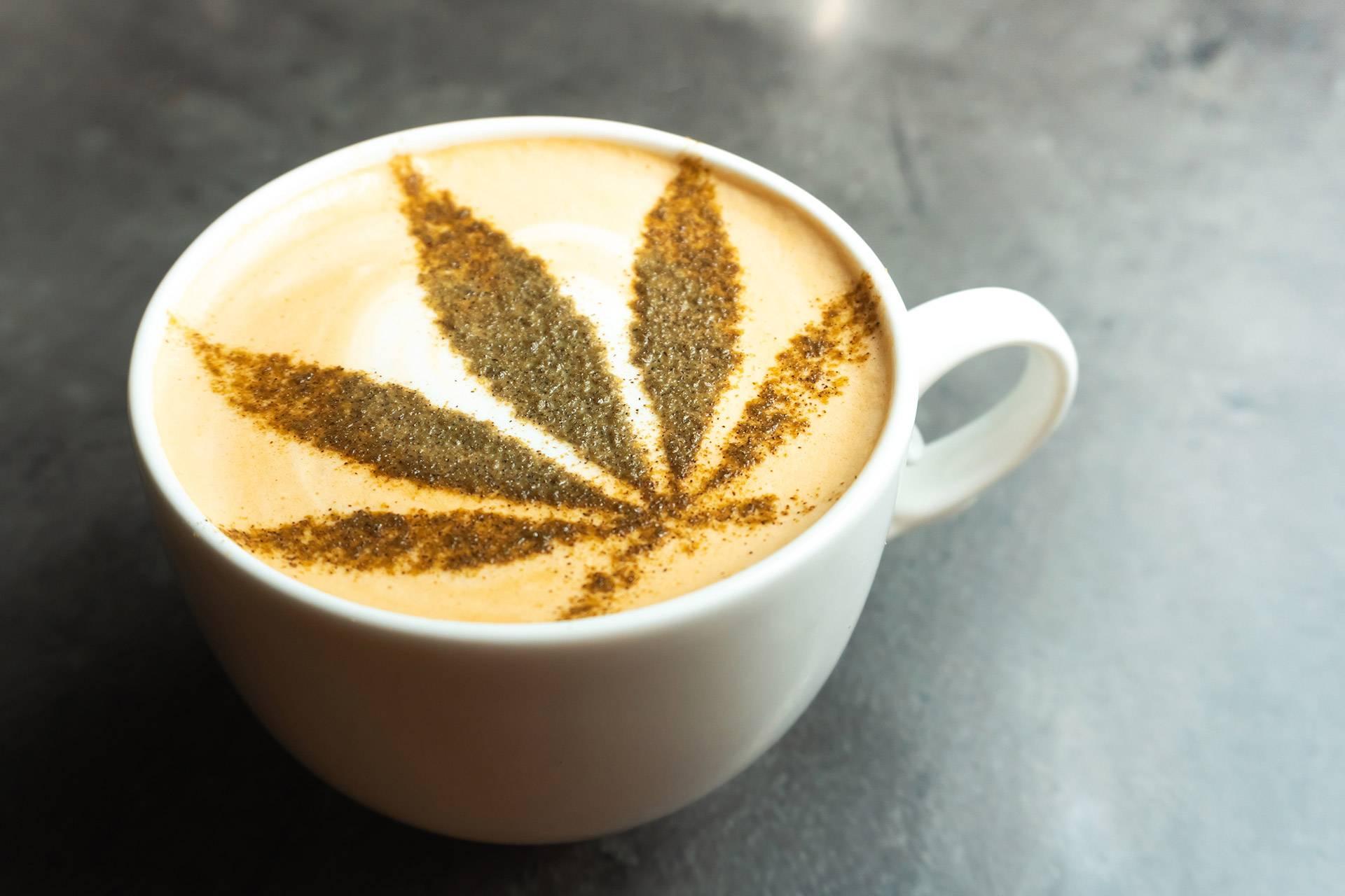 Kaffe mit CBD